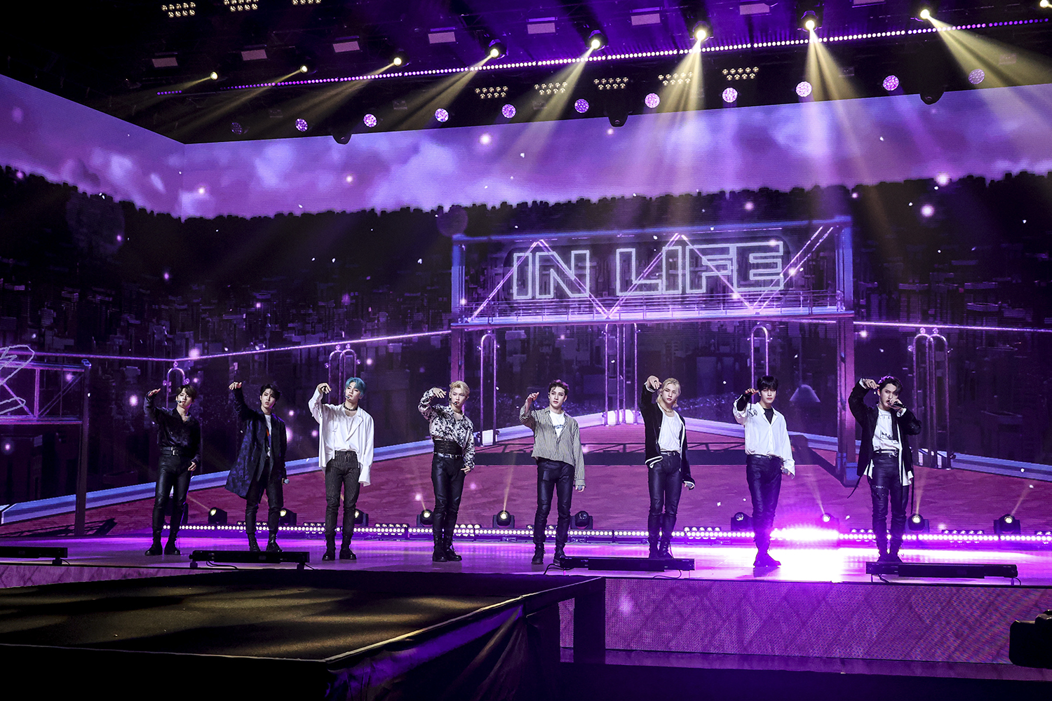 스트레이 키즈_Unlock _ GO LIVE IN LIFE (2)